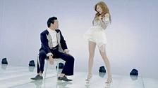 오빤 딱 내 스타일 (feat. 현아) 뮤직비디오 대표이미지