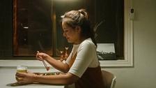 혼자 (Teaser 스낵무비 3) 뮤직비디오 대표이미지
